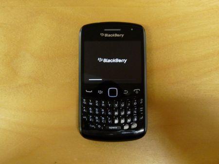 BlackBerry 9360 Apollo, prima immagine della nuova serie Curve