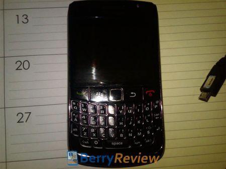 Prima immagine del nuovo BlackBerry Curve 8910