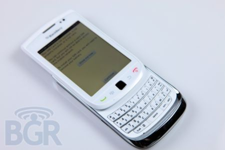 BlackBerry Torch 9800 bianco: Il primo unboxing