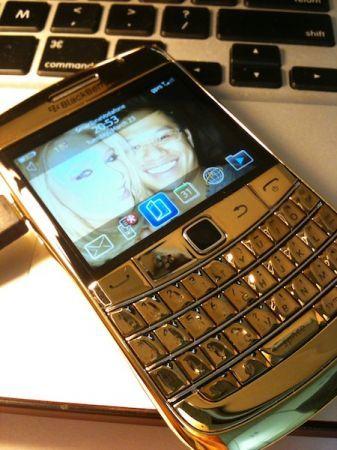 BlackBerry Bold 9700 placato oro