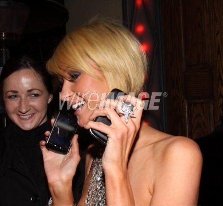 Paris Hilton ora anche con BlackBerry Storm