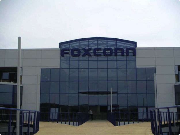 Fair Labor Association, migliorate le condizioni dei lavoratori Foxconn