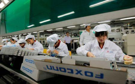 Tre dipendenti Foxconn in carcere per aver violato di segreti industriali