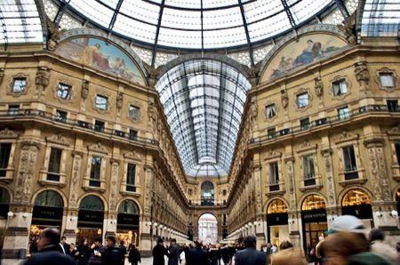 Apple Store a Milano, sfida con Gucci e Prada per Galleria Vittorio Emanuele