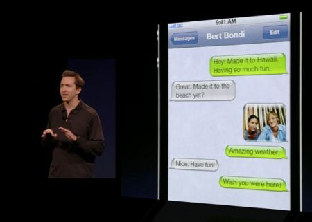 iMessage, la risposta di Apple a BlackBerry Messenger