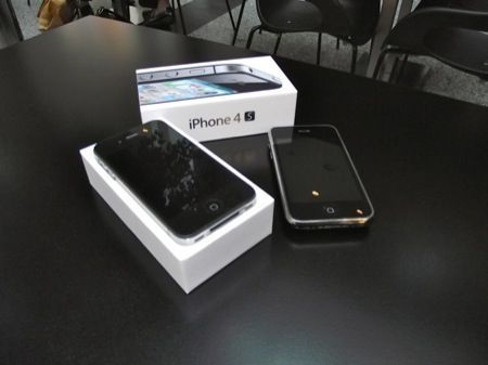 iPhone 4S e iPhone 4 negli Apple Store, ma iPhone 3GS economico è solo online