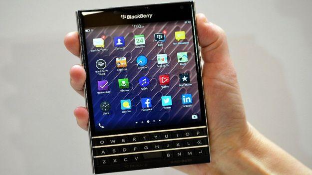 BlackBerry Passport, la rinascita passa da uno schermo quadrato