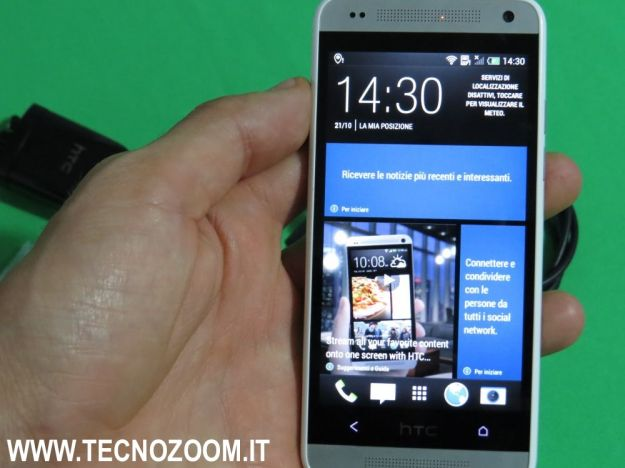 HTC One Mini blinkfeed