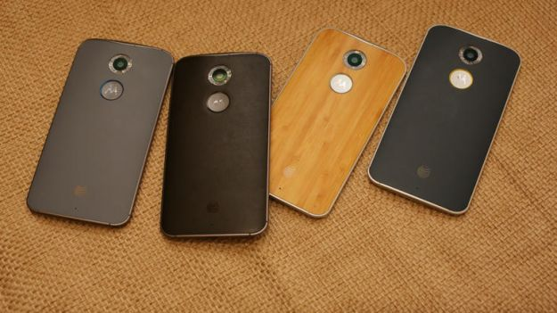 Motorola Moto X (2015) con flash per selfie e slot microSD