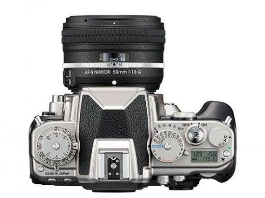 Nikon DF up