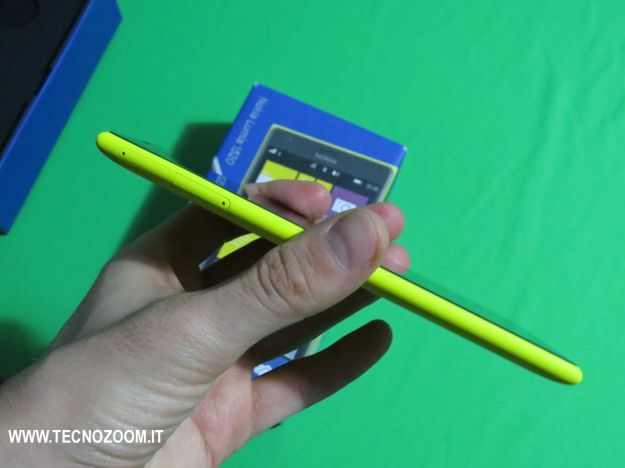 Nokia Lumia 1520 spessore