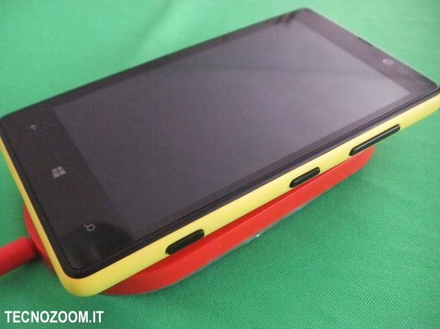 Nokia Lumia 820 caricamento