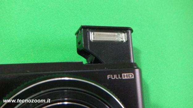 Samsung WB850F flash