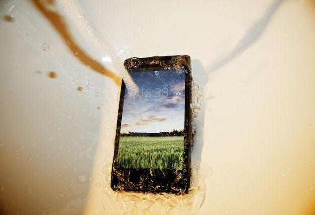 Se il telefono cade in acqua