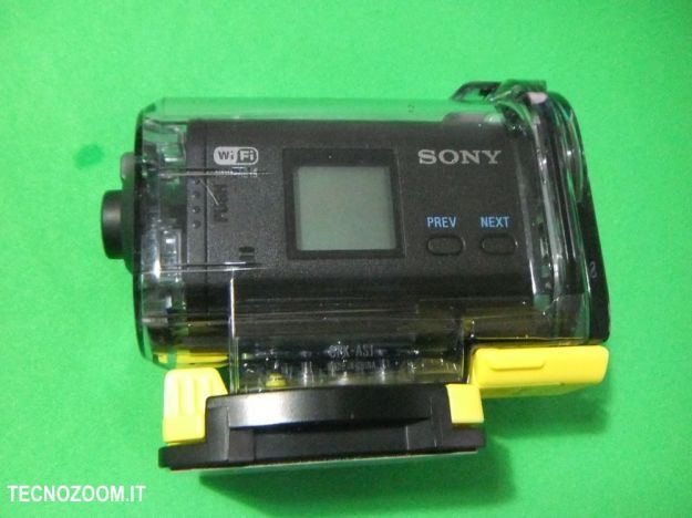 Sony AS15 lato custodia