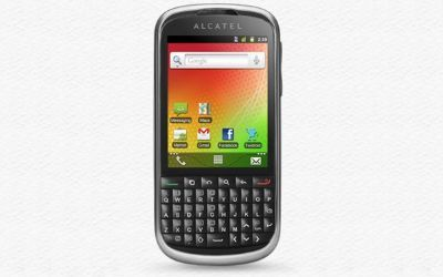 Alcatel One Touch 915, tastiera QWERTY e touchscreen insieme