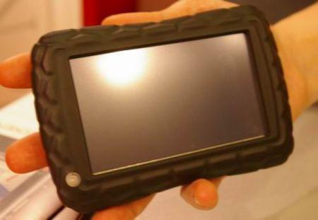 Becker Z100: un coccodrillo per GPS
