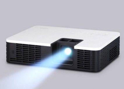 Videoproiettori Casio con tecnologia Hybrid Light Source: Laser e LED