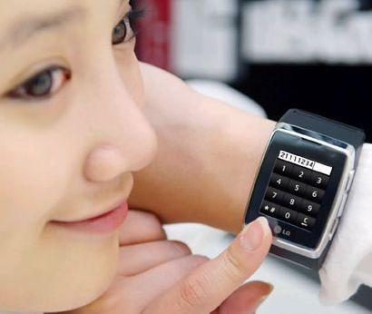 CES 2009: da Las Vegas anche un cellulare da polso