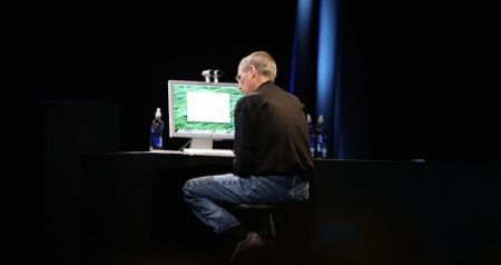 Steve Jobs si dimette da CEO di Apple, Tim Cook il successore