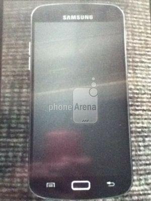Samsung Galaxy S3, nuova foto spia del modello definitivo?
