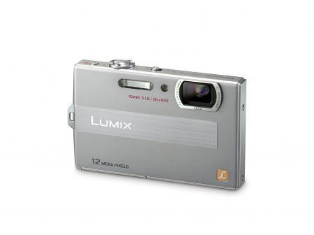 Panasonic Lumix FP DMC-FP8: compatta digitale con zoom ottico 4,6x