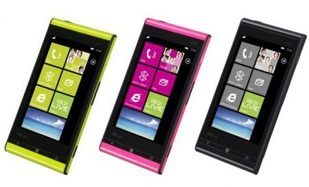 Fujitsu Toshiba IS12T: Windows Phone 7 Mango primo in commercio