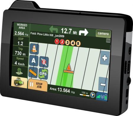 AvMap G6 Farmnavigator: GPS al servizio dei campi e della spalatura neve in video