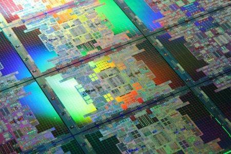 Intel al CeBit 2010: Atom dual core, processori a 8 core e consumi ridotti