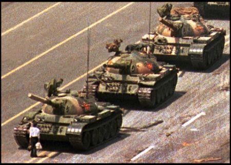 La Cina censura per due giorni piazza Tienanmen: bloccati Twitter, Flickr e Hotmail