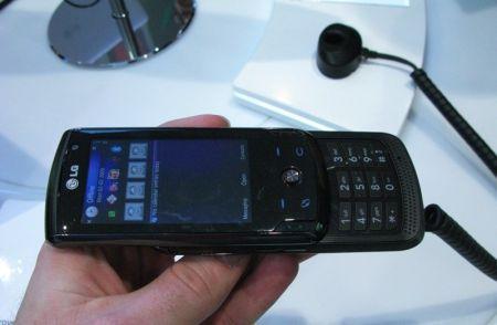 LG KT770: 5 megapixel con sistema operativo Symbian S60