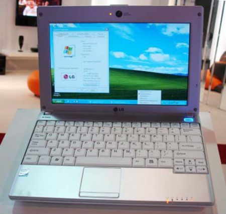 LG X110: mini notebook con connessione HSDPA