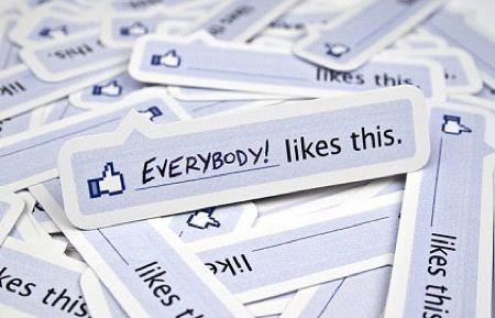 Facebook, il pulsante Mi Piace illegale in Germania