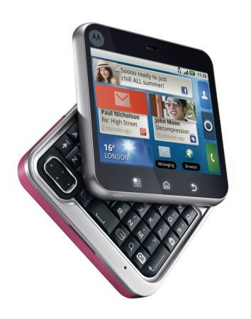 Motorola Flipout: cellulare touchscreen dalla forma quadrata per Natale