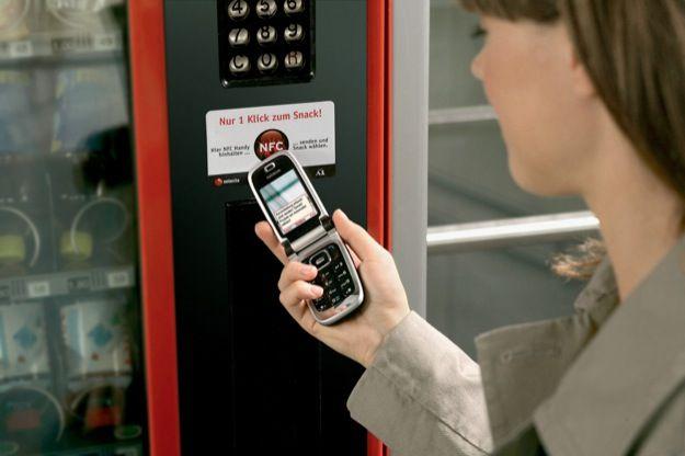 NFC, parte da Milano l'esperimento dei pagamenti al volo