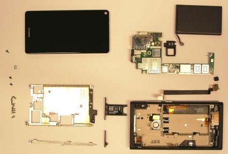 Nokia N9 MeGoo pezzo per pezzo
