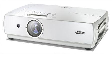 Da SANYO PLC-XC56 un videoproiettore professionale multimediale