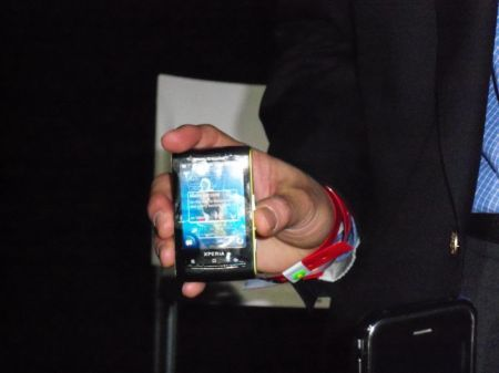 Sony Ericsson XPERIA X10 mini: video preview al MWC 2010 di Barcellona
