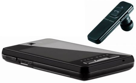 Natale 2008: smartphone Samsung F480 marchiato Hugo Boss