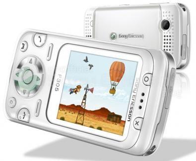 Sony Ericsson F305 sfida la piattaforma n-Gage 2