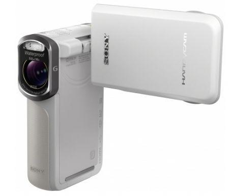 La videocamera Sony HandyCam con zoom 10x non teme l'acqua