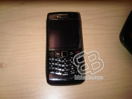 Rim Blackberry Pearl 9100 con tastiera full QWERTY