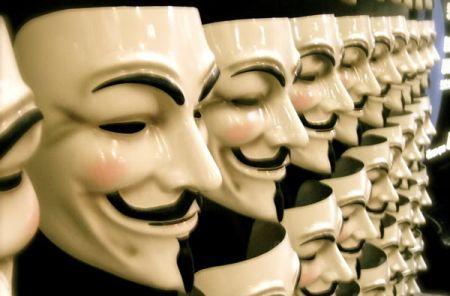 Playstation Network: Arrestati 3 presunti membri del Team Anonymous in Spagna