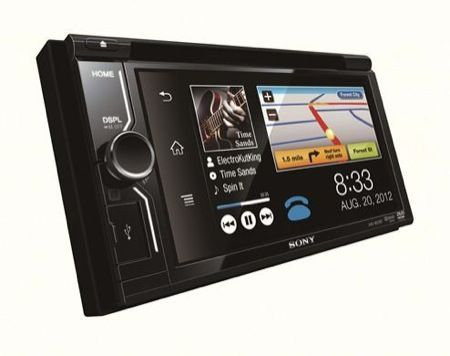 Sony XAV-601BT, sistema multimediale per auto con tecnologia MirrorLink