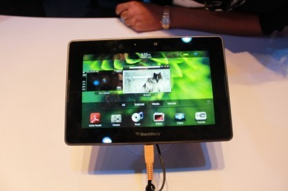 CES 2011: BlackBerry PlayBook in una galleria fotografica