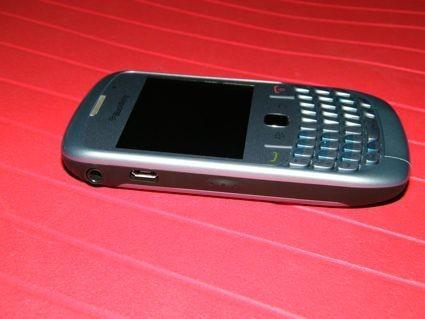 blackberry_8520_8