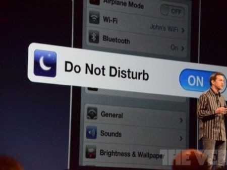 WWDC 2012: iOS 6, caratteristiche nuove con Facebook, Mappe in 3D e Siri italiano [FOTO]