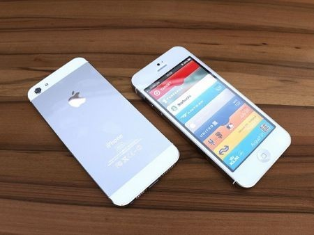 iPhone 5 bianco - Mockup by Martin Hajek