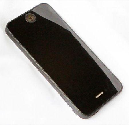 iPhone 5, mockup di plastica per accessori
