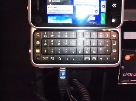 motorola-backflip-qwerty